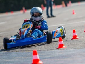 Karting-center-tours-la-ville-aux-dames-stage-pilotage-actividees